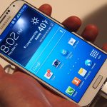 Samsung Galaxy S4 vs iPhone 5 : un duel au sommet !
